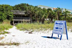 Seaside Seabird Sanctuary - Beach Entrance